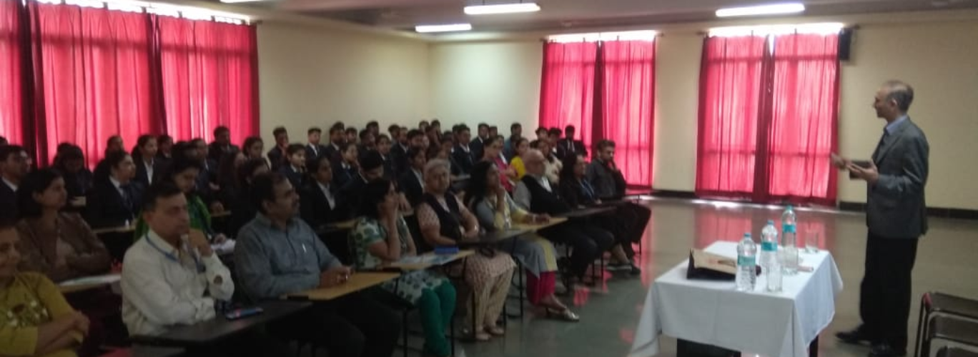 Prof. Suresh Chalsani from University of Wiscon, Park side, USA conducts a session for Indsearch students and faculty